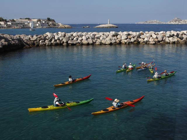 activits-nautiques-kayak-vallon-des-auffes-marseillelamyotcm.jpg