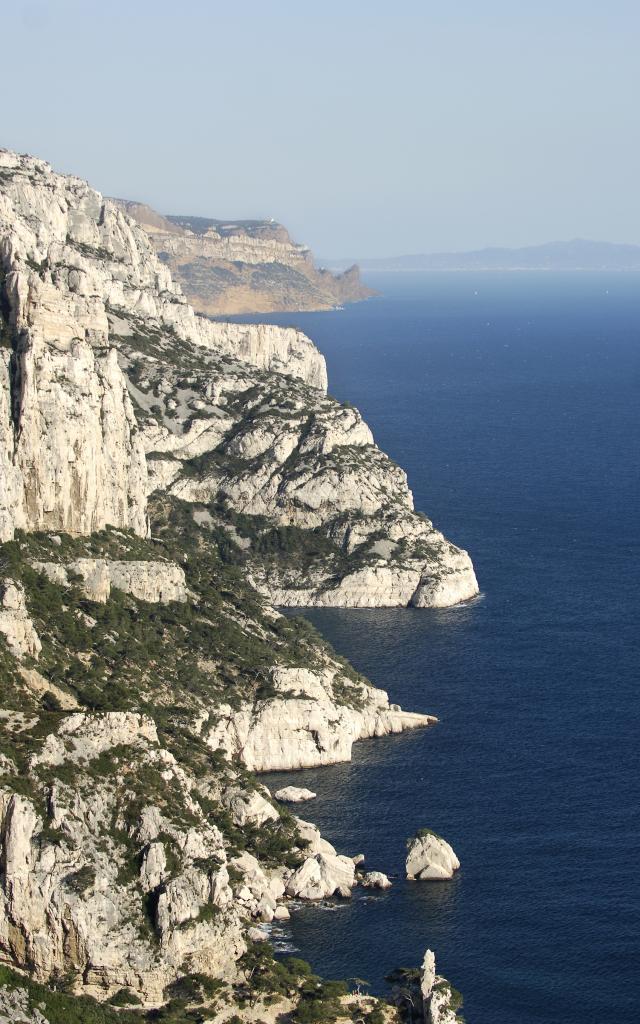 Massif des Calanques, vue sur toute la côte et les roches
