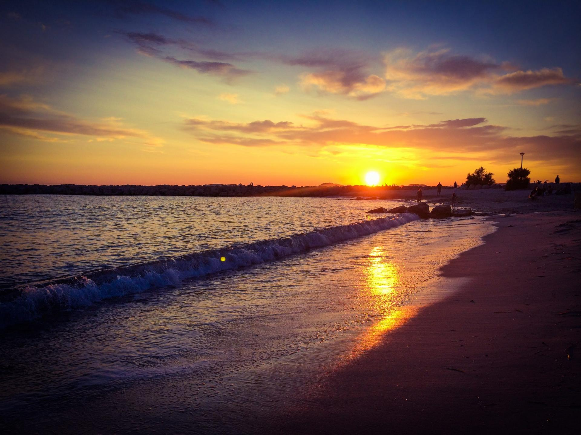 plage-borely-coucher-de-soleilvvotcm-e1632475681323.jpg
