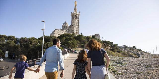 Visite En Famille de Notre Dame de la Garde à Marseille, montée à la Basilique