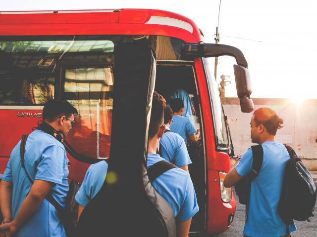 Autobus et touristes