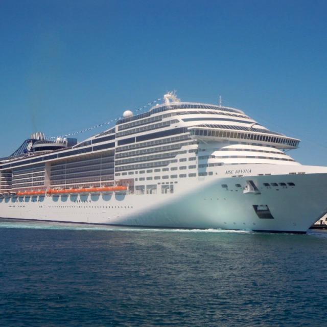 bateau de croisière à Marseille