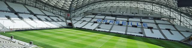 Stade Orange Vélodrome sans public, gradins et pelouse Marseille