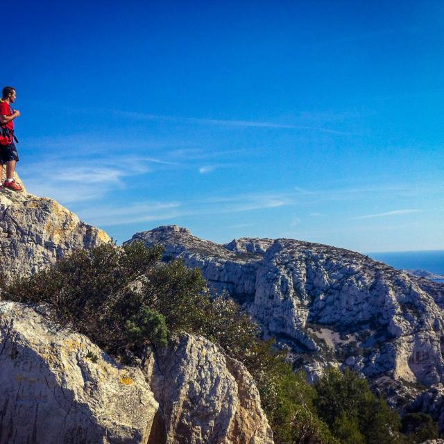 randonneur dans les Calanques de Marseille