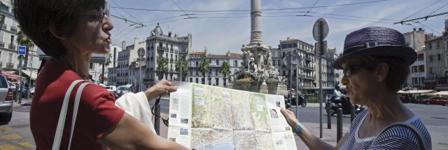 Place Castellane Marseille, visite gudée, guide montrant la carte