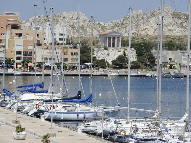 Port de l'île du Frioul à Marseille