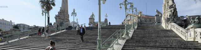 Escaliers de la Gare Saint Charles à Marseille
