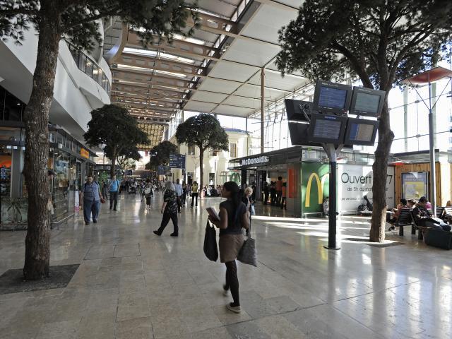 Gare St Charles à Marseille, Hall interieur