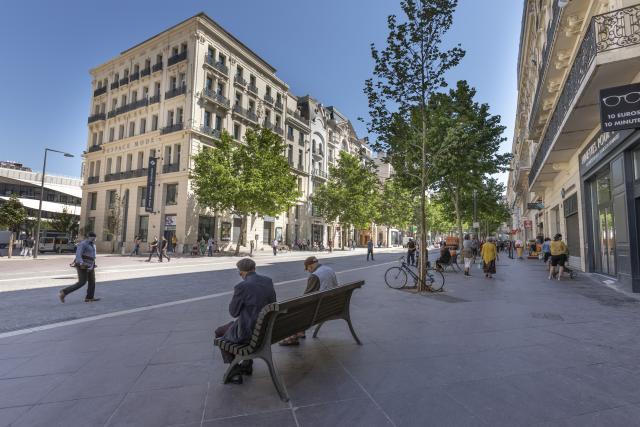 Office de Tourisme de Marseille vu de la Canebière