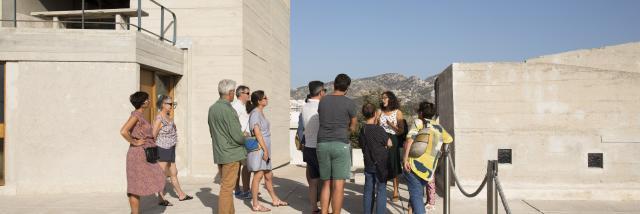 Immeuble Le Corbusier Marseille, Toit Terrasse avec Visiteurs