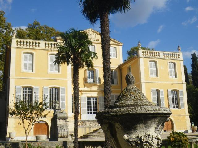 Bastide de la Magalone Marseille, facade et jardin
