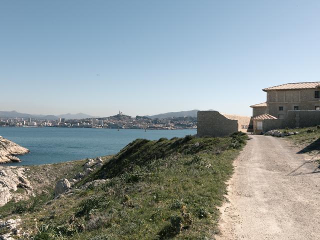 Vue sur Marseille depuis les îles du Frioul à Marseille
