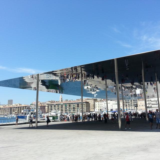 Esplanade du Vieux-Port et son ombrière