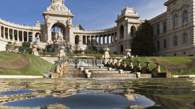 Palais Longchamp à Marseille, fontaine et facade