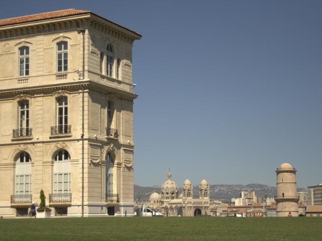 Palais du Pharo et Tour du Fanal à Marseille