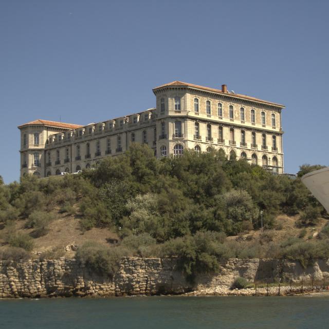Palais du Pharo à Marseille vu depuis la mer
