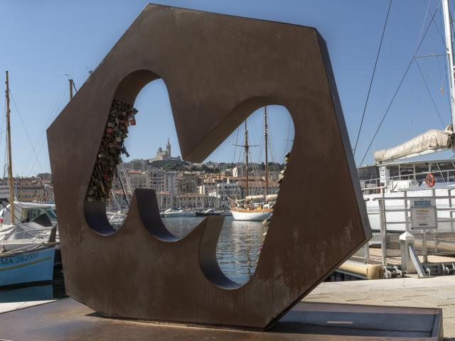 sculpture-m-vieux-portmromtcm.jpg
