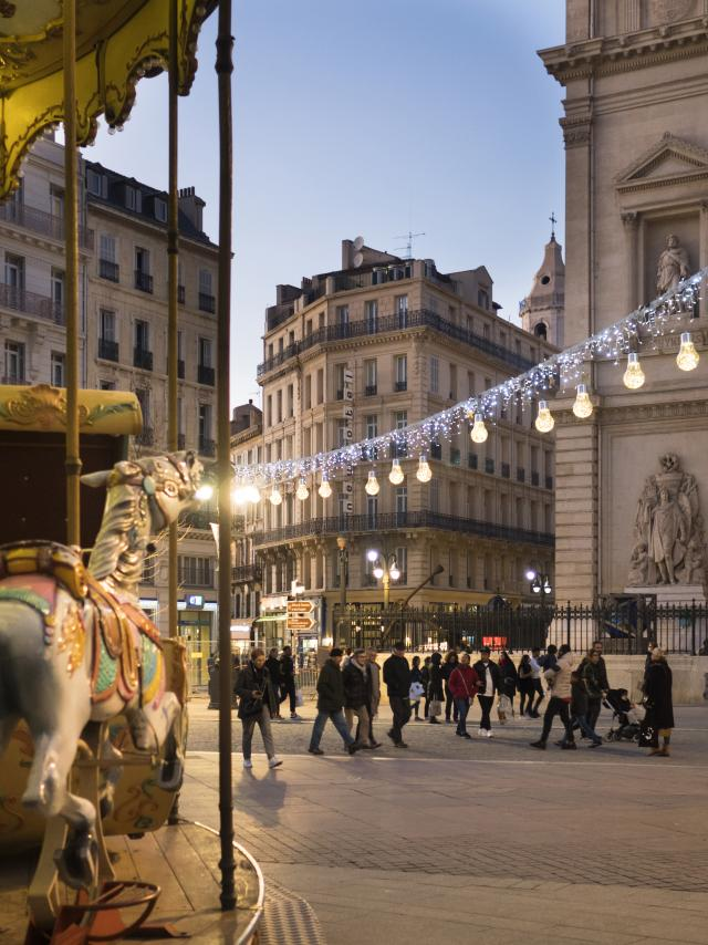 Carroussel et Canebière Marseille pendant les fêtes de Noël