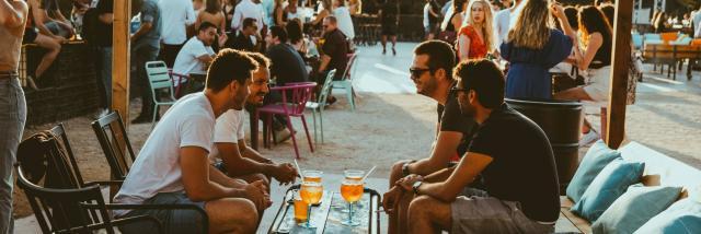 Baou Marseille, Soirée entre amis