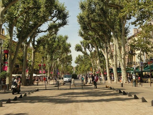 Cours Mirabeau à Aix En Provence