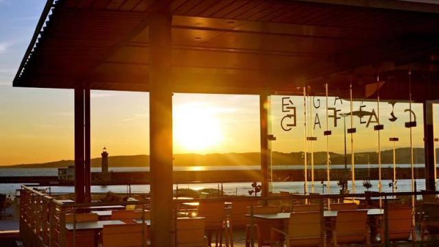 Musée Regards de Provence au soleil couchant