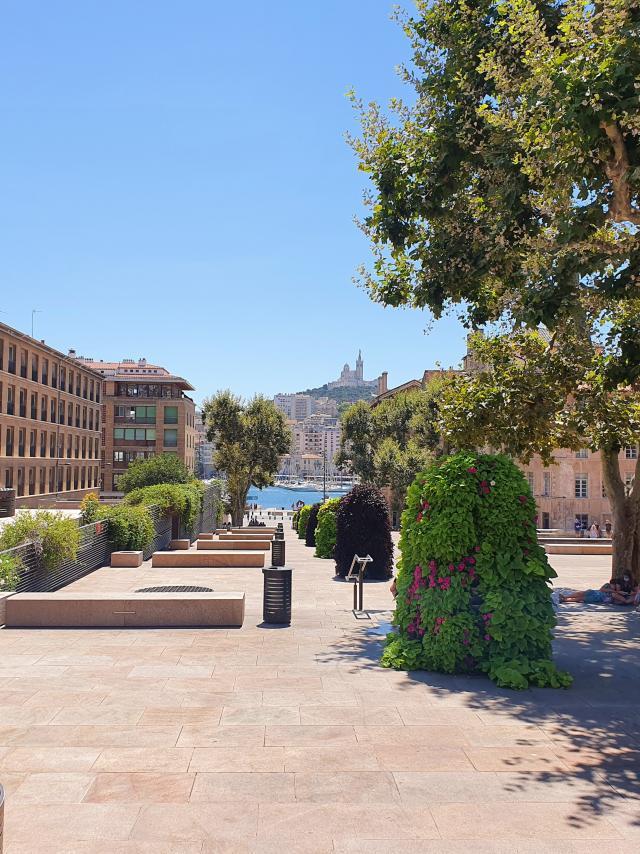 Place Bargemon Marseille, Notre Dame de la Garde