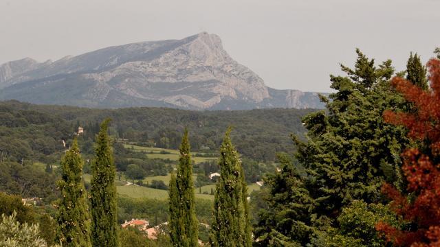 Paysages d'Aix En Provence vue sur la Sainte Victoire