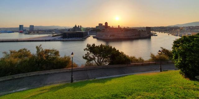 Mucem, vue sur le Fort Saint Jean depuis le Palais du Pharo à Marseille