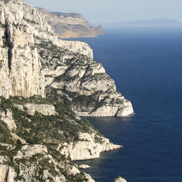 Vue sur la côte et les calanques de Marseille