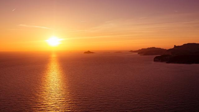 Coucher de soleil sur le îles Marseillaises
