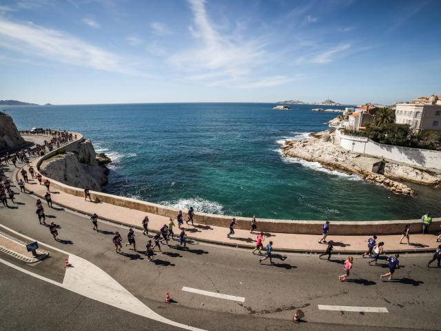 Course à pied sur la Corniche Kennedy à Marseille