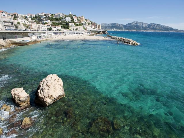 Plage du Prophète sur la Corniche Kennedy à Marseille, eau turquoise