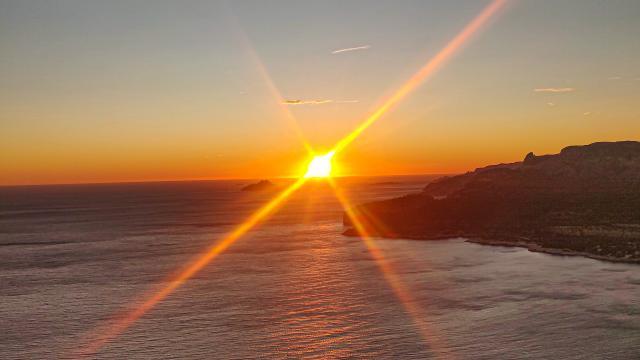 Coucher de Soleil sur le Cap Canaille à Cassis