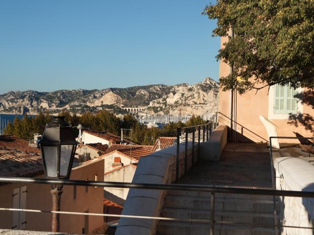 petits escaliers dans le village de l'Estaque à Marseille