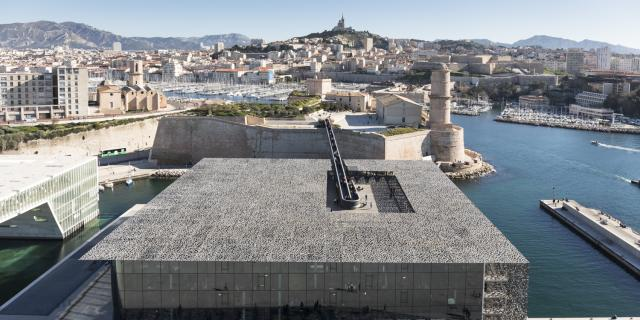 vue aerienne du mucem et le fort saint Jean