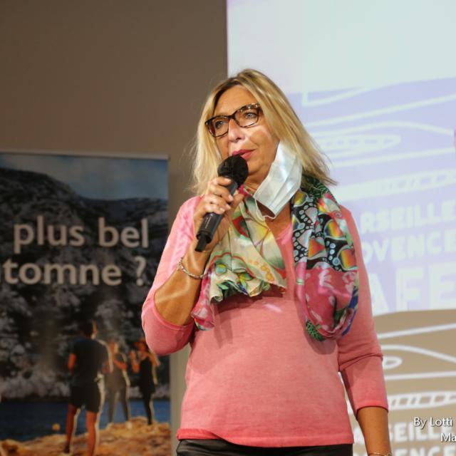Fabienne Bonsignour qui fait un discours