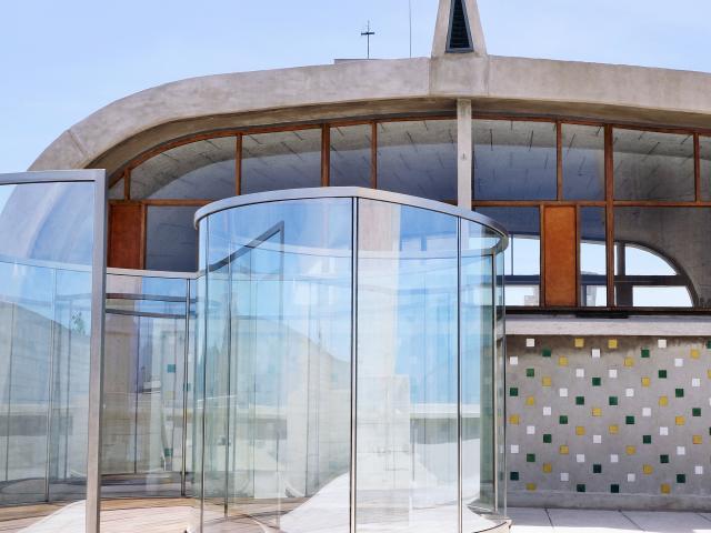 Toit terrasse de la cité radieuse du Corbusier