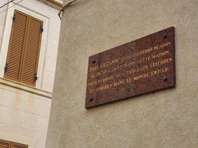 Plaque en hommage à Cezanne dans le quartier de l'Estaque