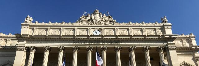 Facade du Palais de la Bourse à Marseille