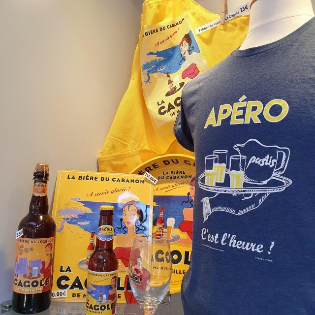 Boutique de l'Office de Tourisme de Marseille, produits La Cagole