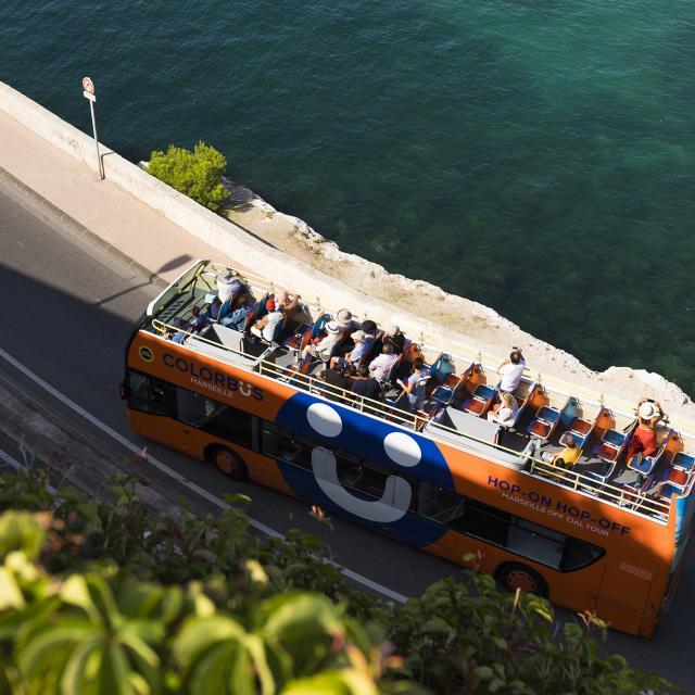 Colorbus sur la Corniche kennedy