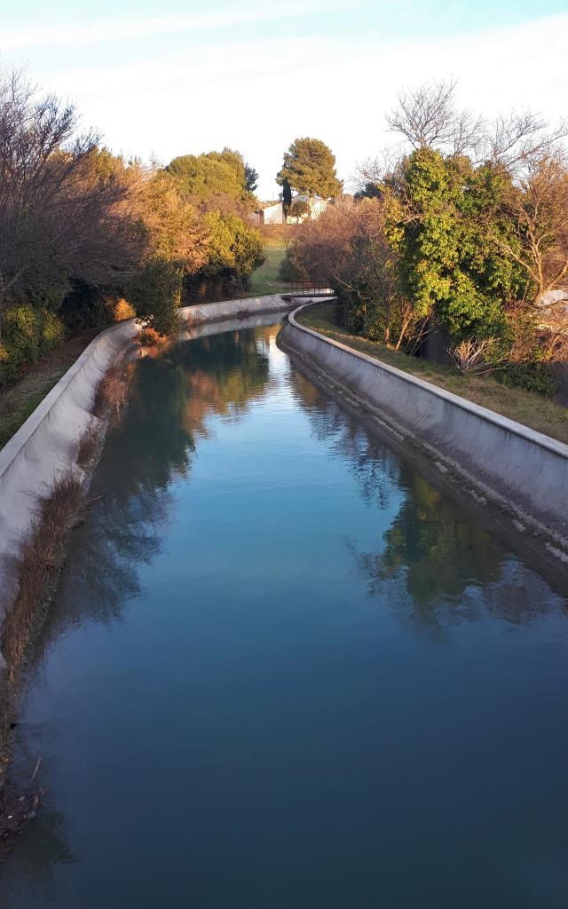 Canal d'eau