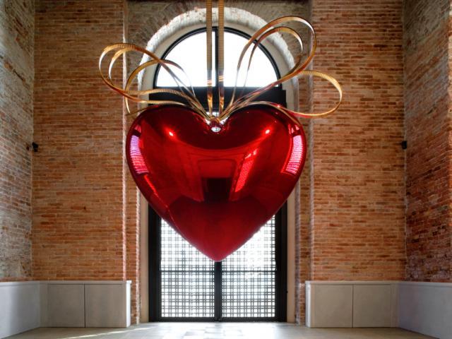 Oeuvre de l'artiste Jeff Koons Hanging Heart