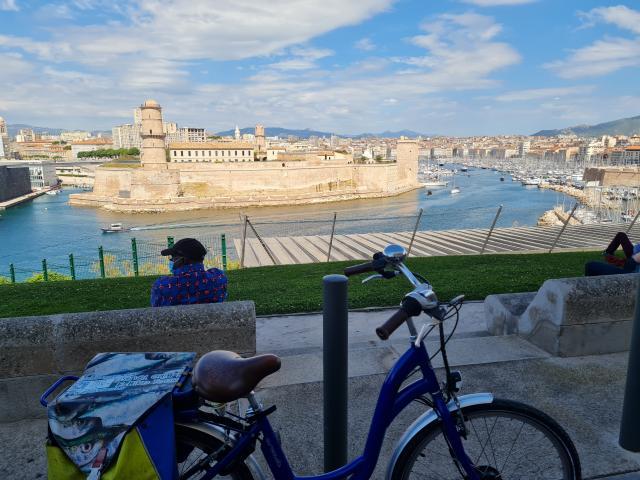 Balade en vélo avec Fada Bike. Vue du Pharo sur le Vieux-Port