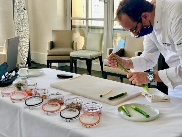 Lionel Levy qui cuisine